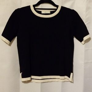 Beautiful Zara Navy and Off White Sweater Size Sm